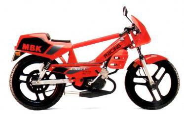 peinture rouge chappy red r pour mobylette mbk 51 magnum racing 41s bi composant 1kg. Black Bedroom Furniture Sets. Home Design Ideas
